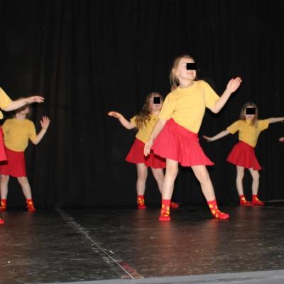 Les chaussettes rouges et jaunes à p'tits mois - Les Petites